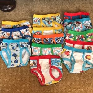 Toddler boy 2T-3T character underwear 13 pairs